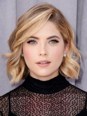 wavy blonde